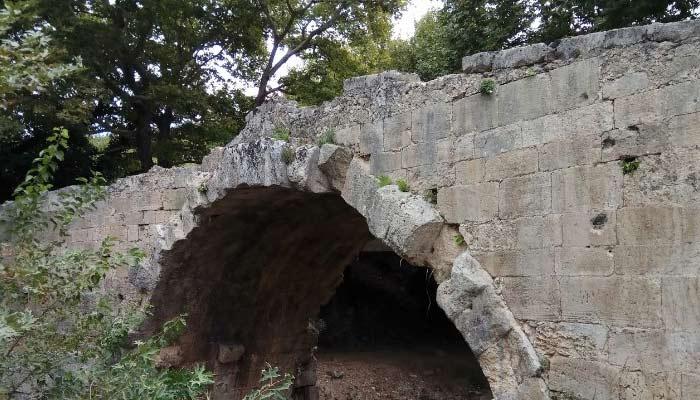 """Мост """"Эллиники Камара"""" в Врисесе на Крите"""