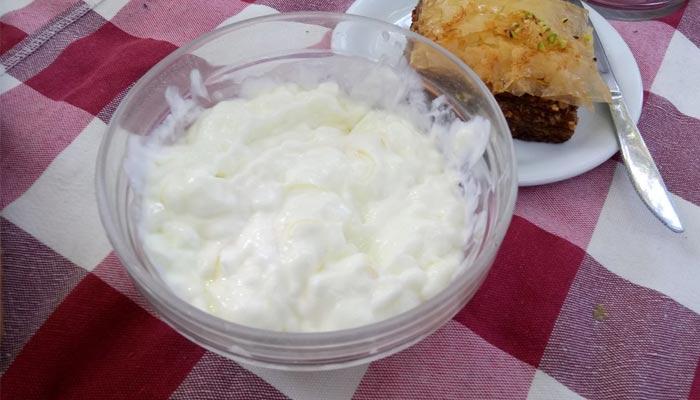 Фото йогурта в деревне Врисес на Крите