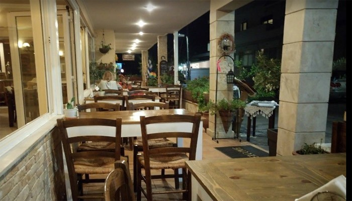 Семейный ресторан Aris Katerina в деревне Амудара на Крите