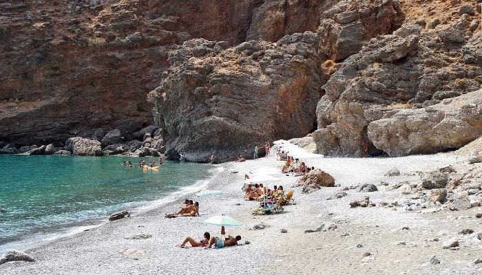Пляж Илингас возле деревни Свакия на Крите