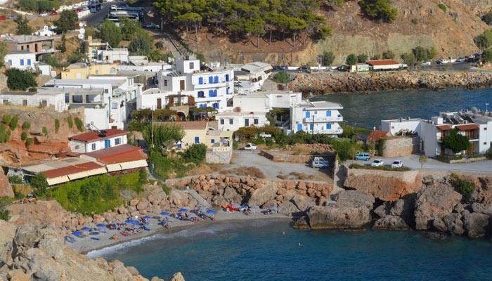 Пляж Вриси в деревне Хора Сфакион на Крите