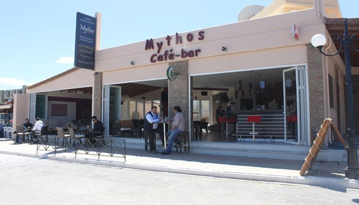 Кафе Mythos в Малеме на Крите