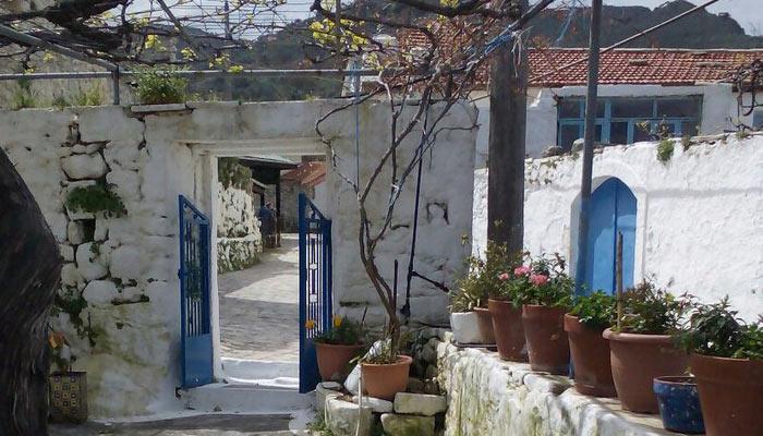 Улочки Аргируполи на Крите
