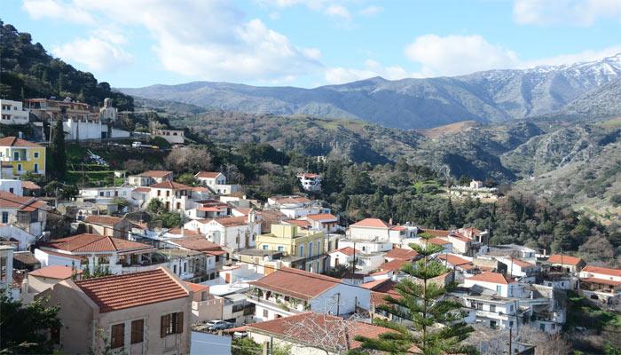 Вид на деревню Аргируполи на Крите