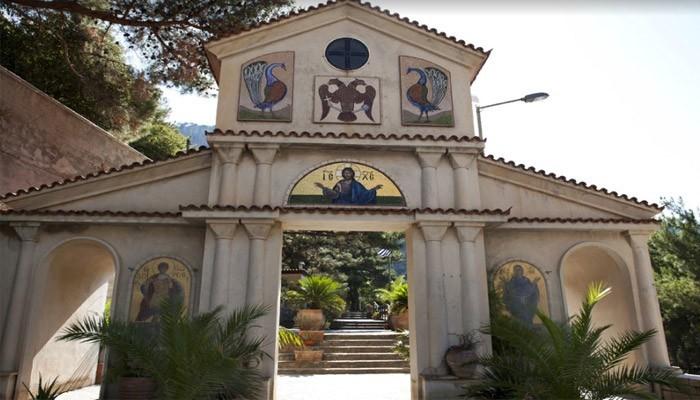 Монастырь Святого Георгия в поселке Сисси на Крите