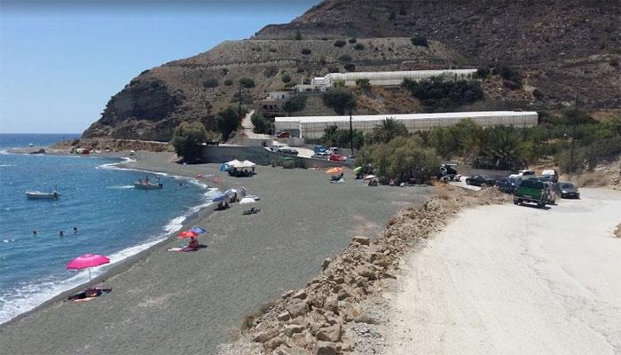 Пляж Каливовец в деревне Миртос на Крите
