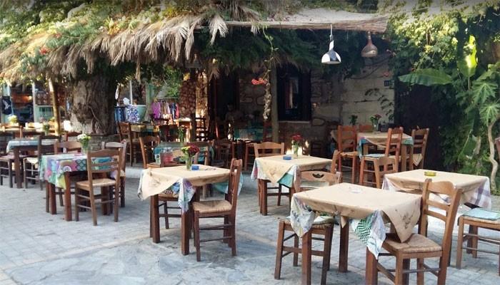 Ресторан Платанос в деревне Миртос на Крите