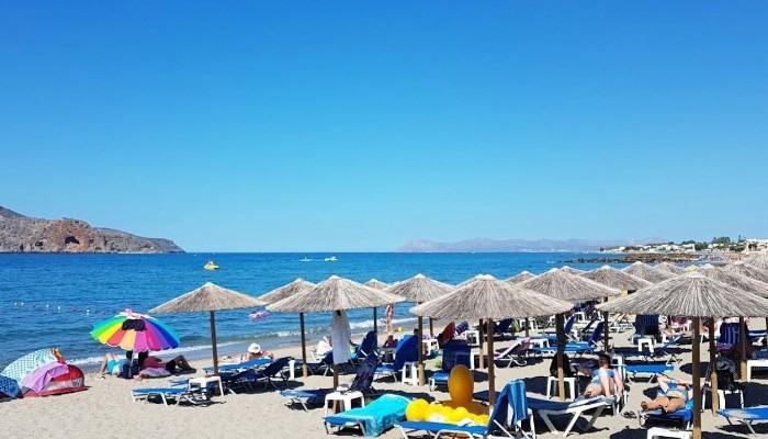 Пляж курорта Платаниас на Крите