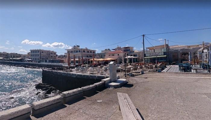 Памятник: На берегу моря на набережной Киссамоса на Крите