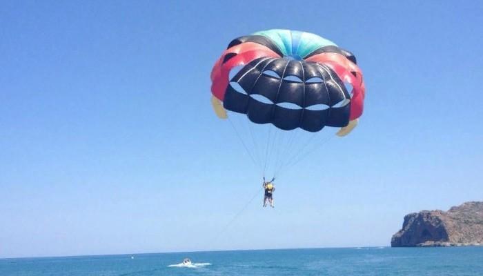 Водные развлечения в городе Платаньяс на Крите