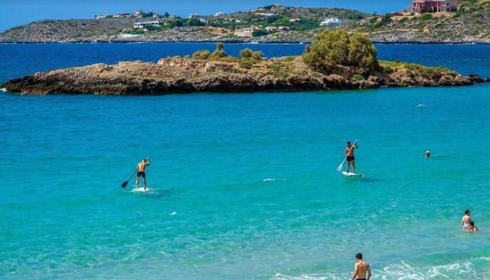 Крошечный островок напротив пляжа Каталас на Крите