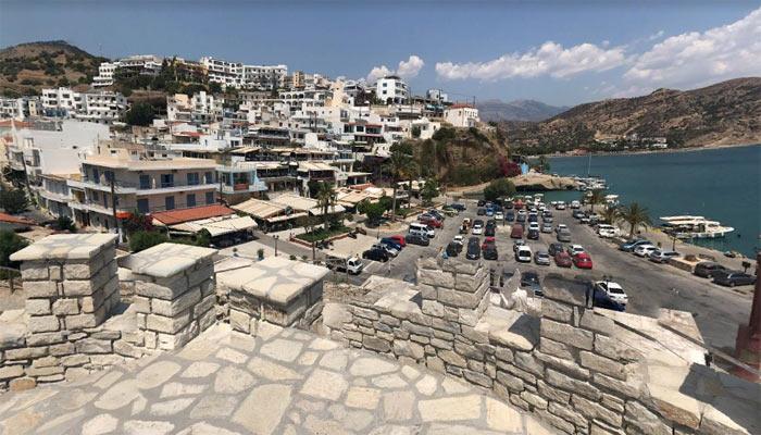 Вид на курорт Агия Галини на Крите