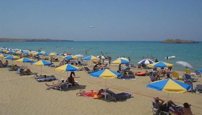 Пляж Амниссос в поселке Картерос на Крите