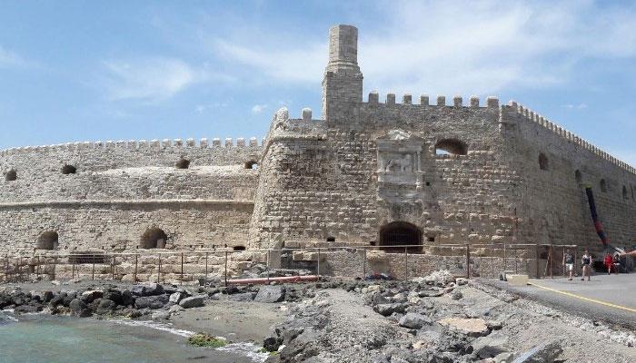 Старинная крепость Кулес в Ираклионе на Крите