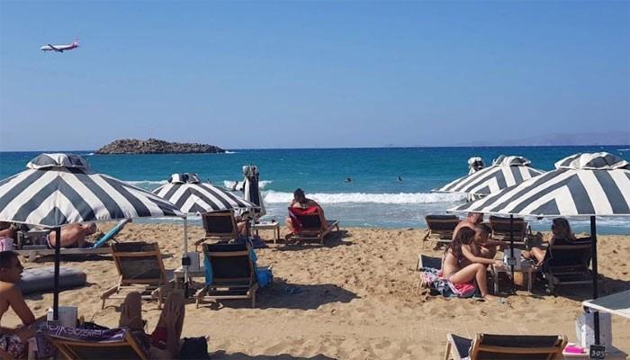 Пляж News Cafe в Картеросе на Крите