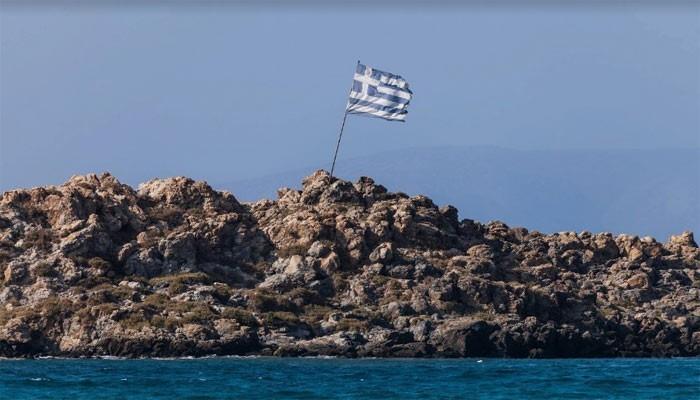Остров Монохорако недалеко от Картероса на Крите