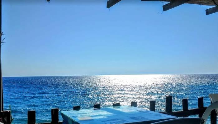 Вид на море из таверны на пляже Лигрес на Крите