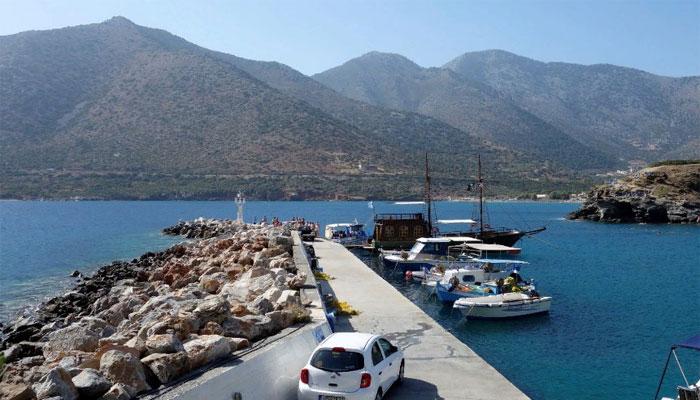 Фото причала экскурсионного транспорта на Крите