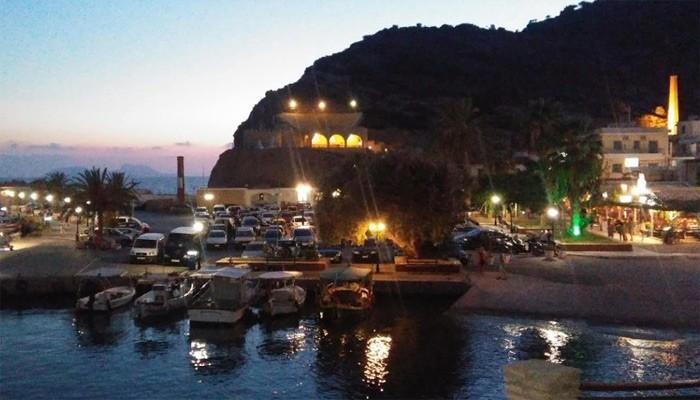 фото ночного курорта Агиа Галини на Крите