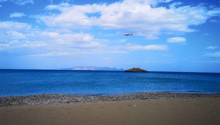 Фото с берега поселка Картерос на Крите