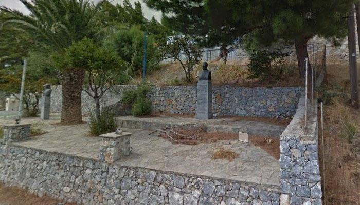 Статуя Георгиу Курмулиса на Крите
