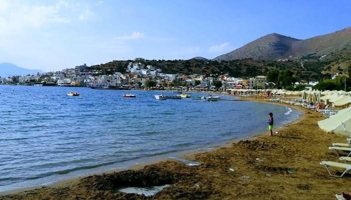 Пляж Skisma Beach в поселке Элунда на Крите