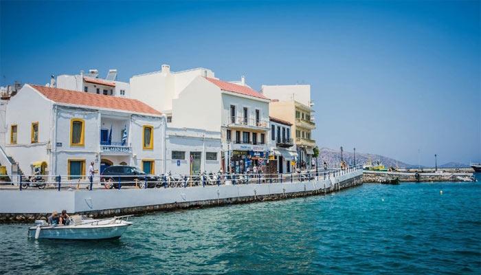 Фото улицы Агиос Николаос на Крите