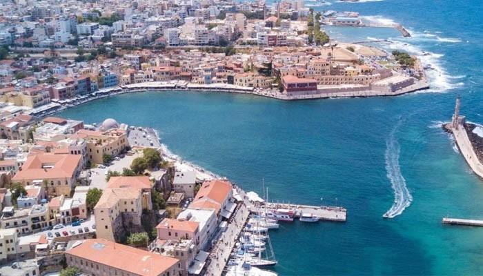 Вид сверху на город Ханья на Крите