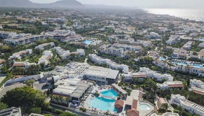 Вид на поселок Аниссарас на Крите