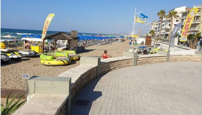 Public Beach фото