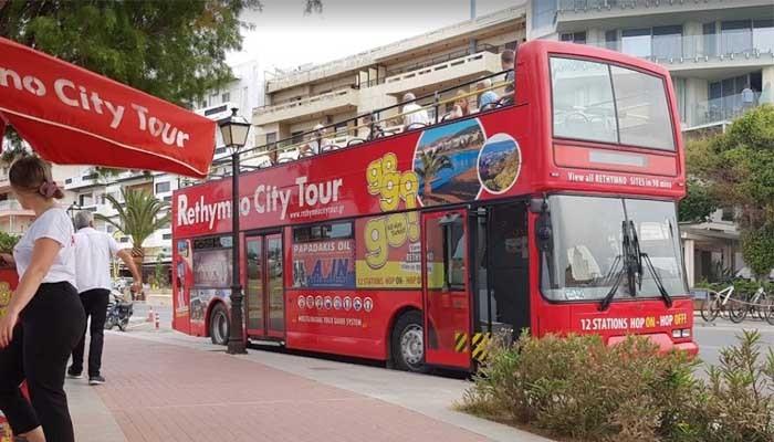 Туристический автобус в Ретимно на Крите