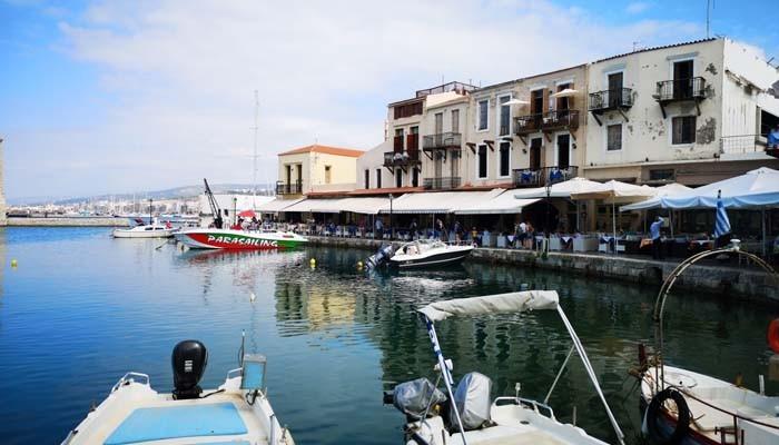 стоянка лодок в Ретимно