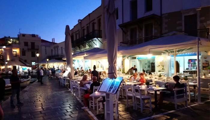 Фото вечернего Ретимно на острове Крит