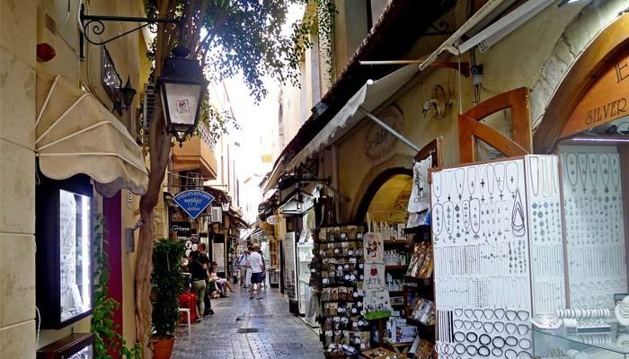 Живописные улицы города Ретимно на Крите