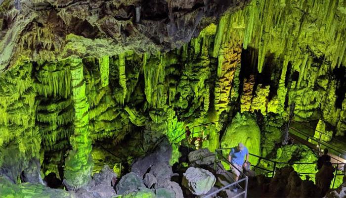 Диктейская пещера вблизи деревушки Миртос на востоке острова Крит