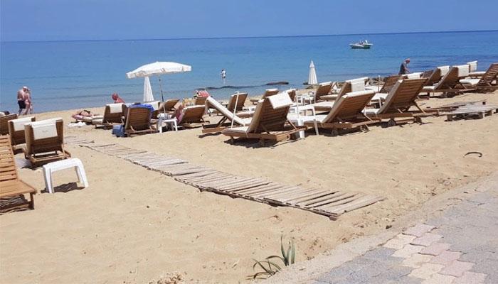 Фото берег пляжа Маллион в Малии на Крите