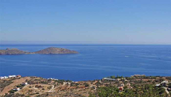 залив Мирабелло курорт Агиос-Николаос на Крите