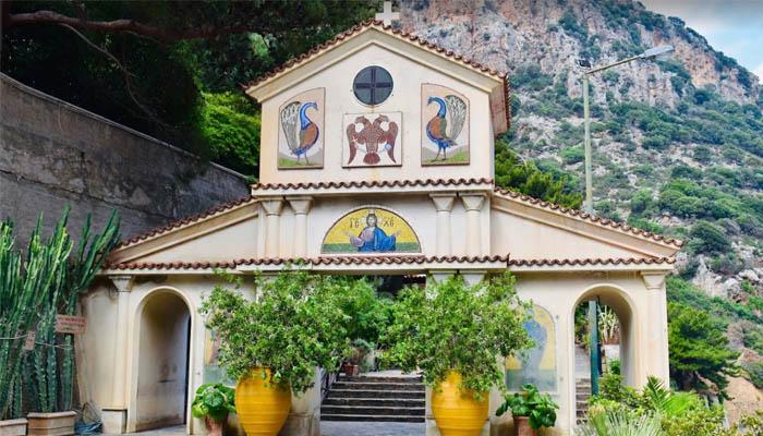 Монастырь Святого Георгия в ущелье Селинари в нома Лассити на Крите