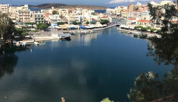 озеро Вулисмени в Агиос-Николаос на острове Крит