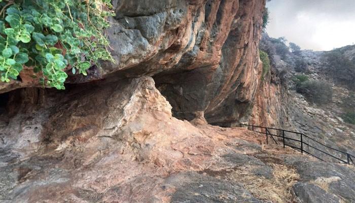 Пещера в поселении Милатос на острове Крит