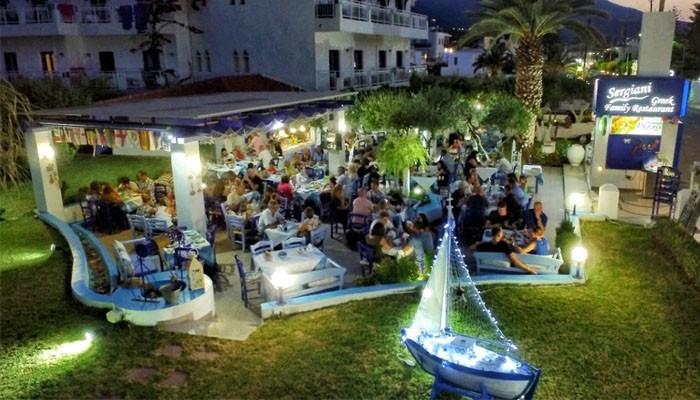 Модный ресторан Sergiani Garden на окраине курорта Малии