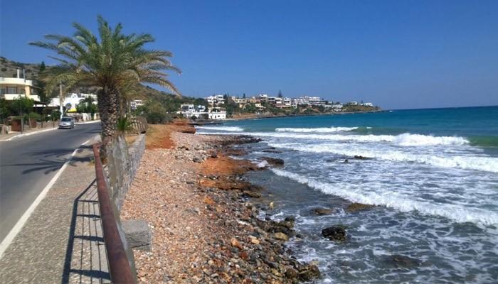 Фото берега курорта Сталида на острове Крит