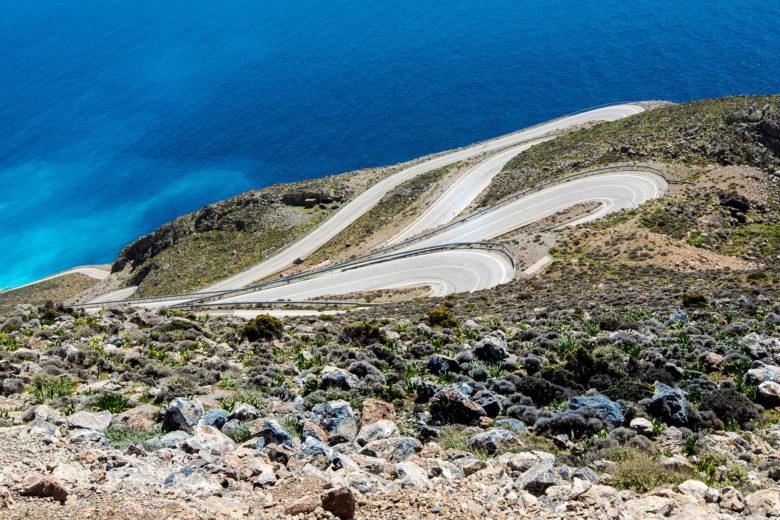 Серпантин дороги на Крите, Греция